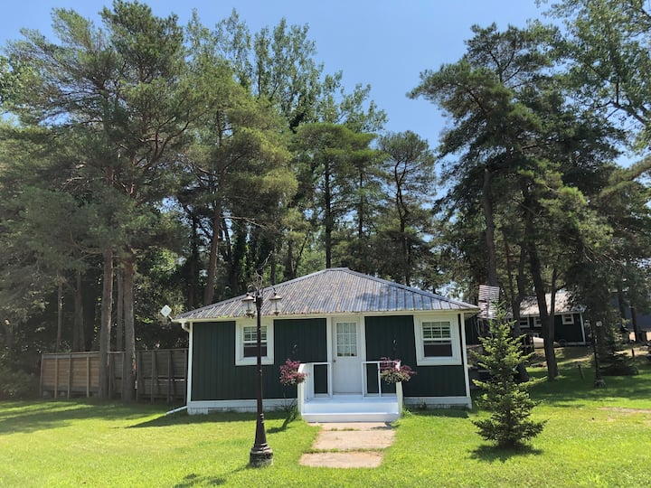 The 'PostOffice'Cottage at LongPointLodge