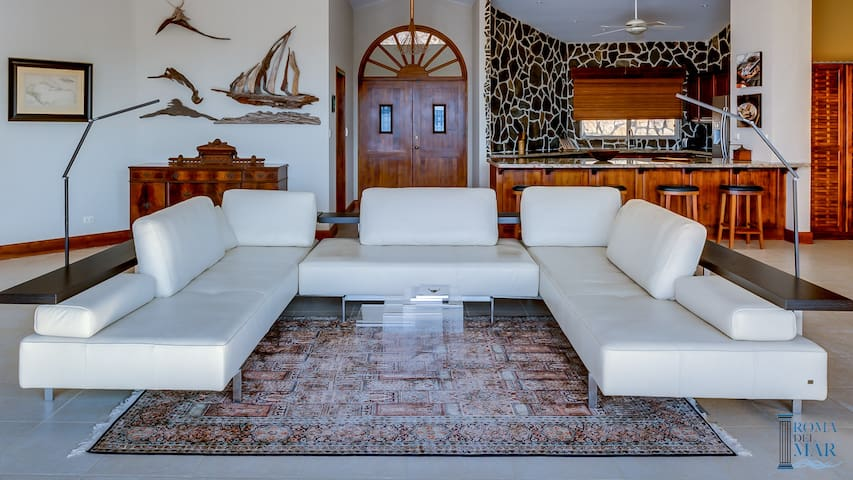 Villa Drift Wood with Oceanview & Pool