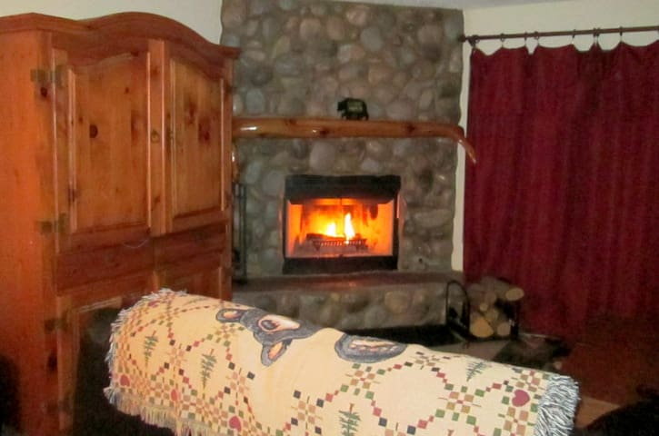 3 Bed 2 Bath Fireplace, Spa, Yard - Pinetop-Lakeside - Dům