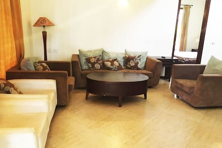 Private bedroom with a rooftop terrace - Kolkata - Villa