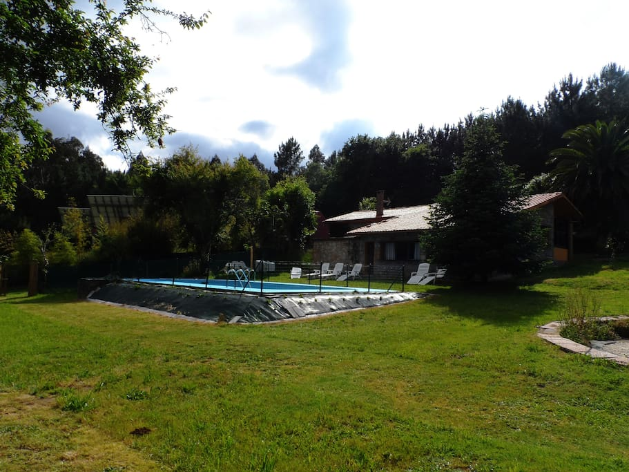 Casa rural con piscina houses for rent in irixoa - Apartamentos con piscina en galicia ...