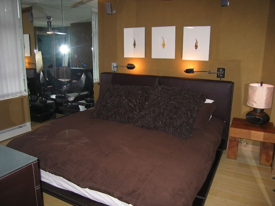 Master Bedroom, king size tempurpedic bed