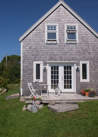 Restored barn apt. on Vinalhaven Island Maine