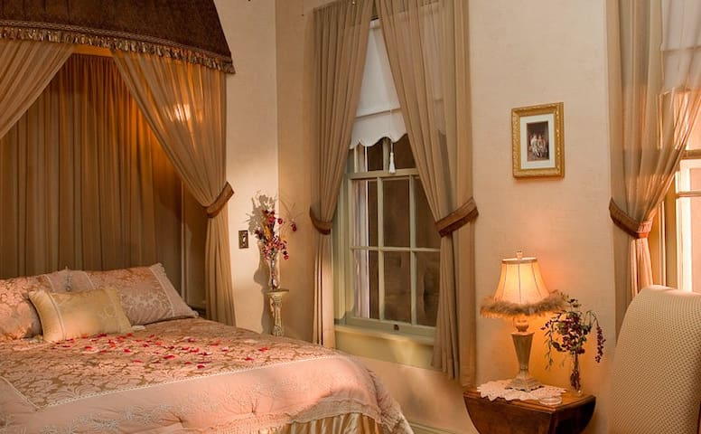 Romantic Renaissance  - Central Point - Bed & Breakfast