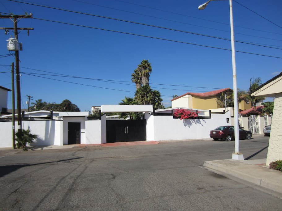 Tranquil Residential area in the middle of Down Town Ensenada Secure parking
