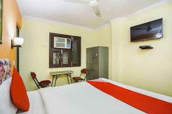 Couple Friendly Stay Near South Campus By MiRooms