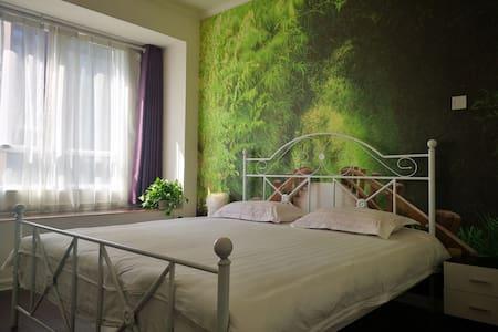绿色森林大床房
