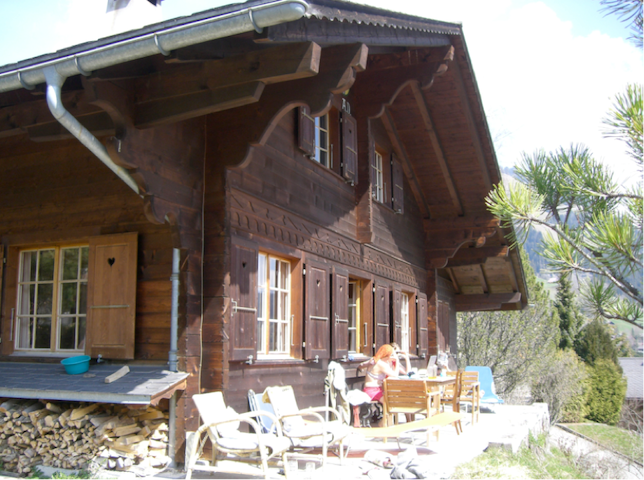 Swiss Chalet for 10 people - Rougemont  - Huis