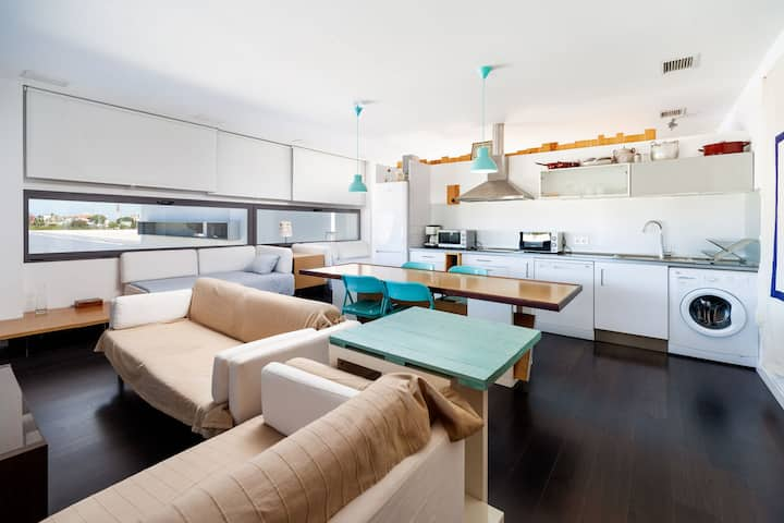 Modern Studio Apartment Close to Beach with Air-Conditioning, Wi-Fi, Terrace and Panoramic Ocean View