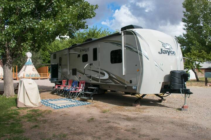 Outdoor Glamping : Jayco RV OK53