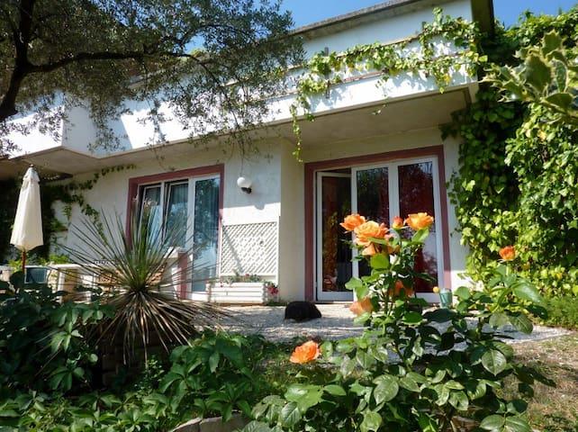 Villa Laetitia  in Gardone Riviera - Gardone Riviera - Byt