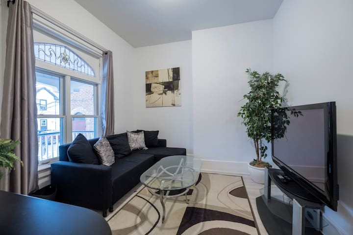 Calm 2BR + 2WR steps from Woodbine Beach