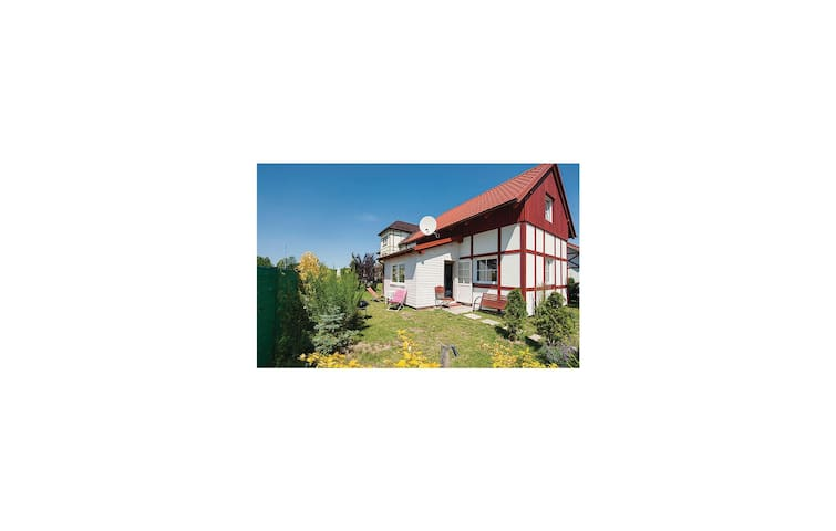 Holiday cottage with 2 bedrooms on 65 m² in Ustka