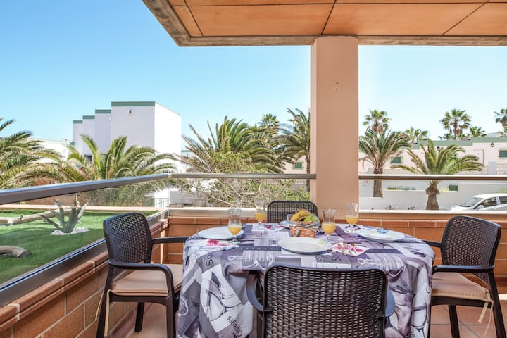 """Charming Holiday Apartment """"Tesorito del Mar"""" Close to the Beach with Wi-Fi & Terrace"""