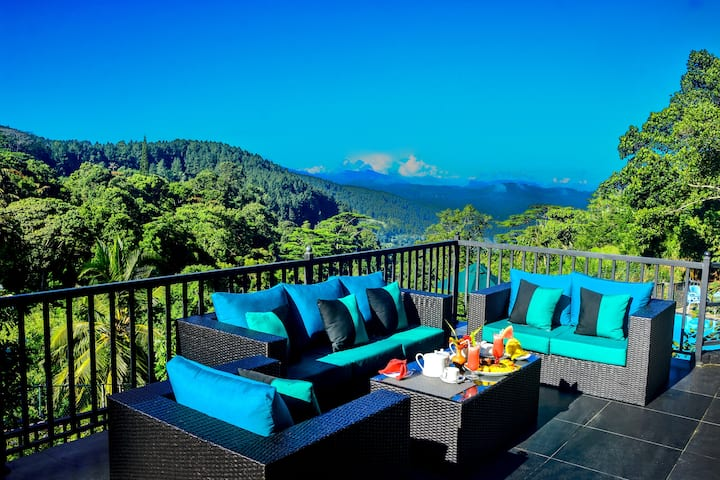 Deluxe Double Room with Balcony and mountain View.