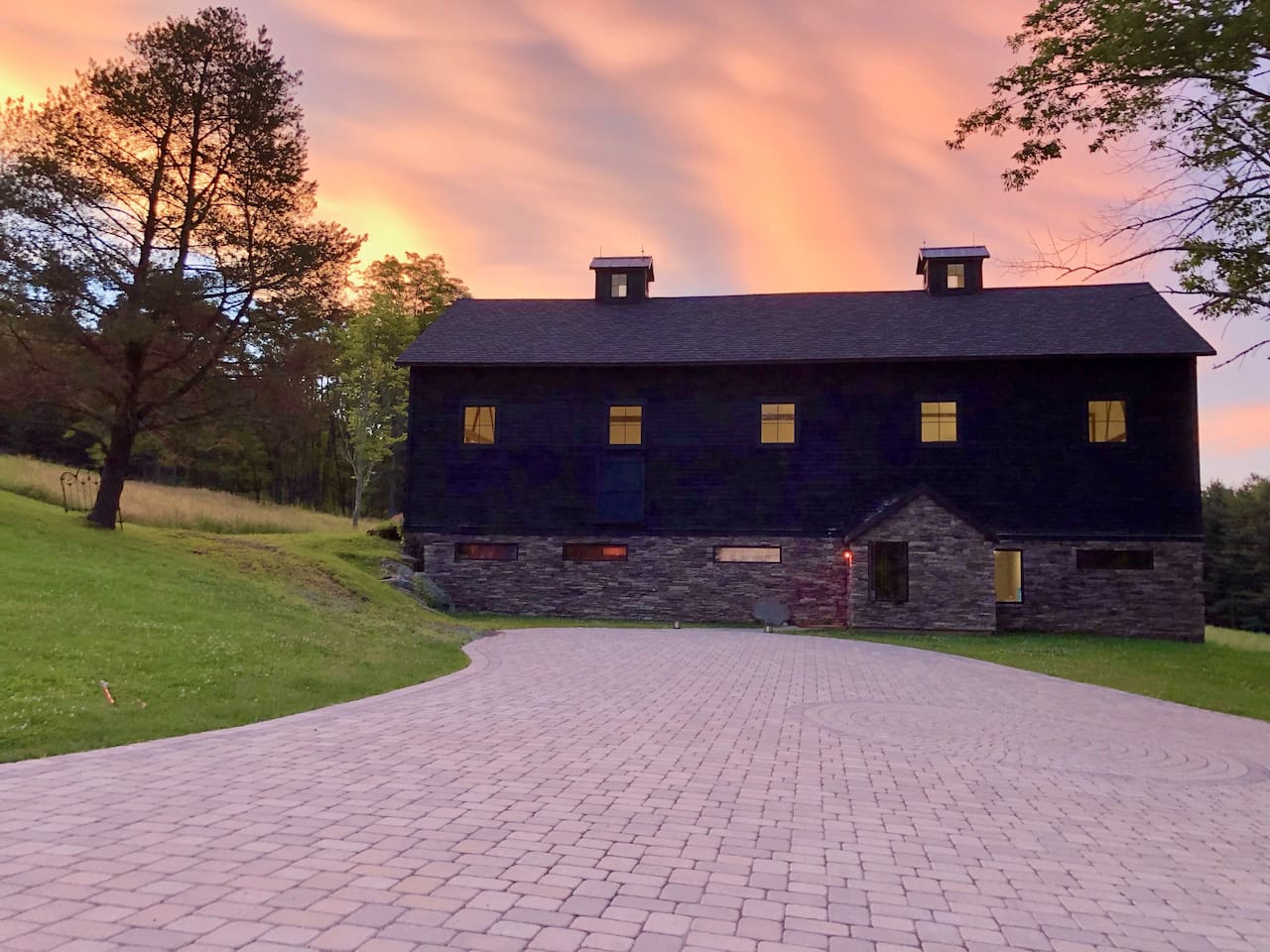 Welcome the the Barn at Silent G Farms!