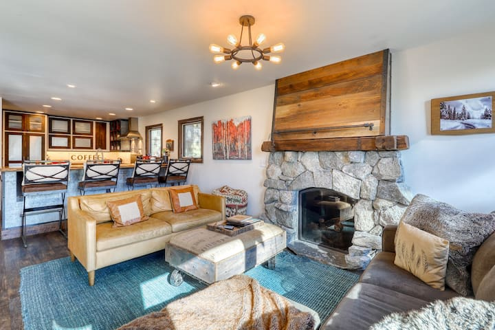 Two cabins with hot tub, deck, fire pits, skiing - walk to sand & water!