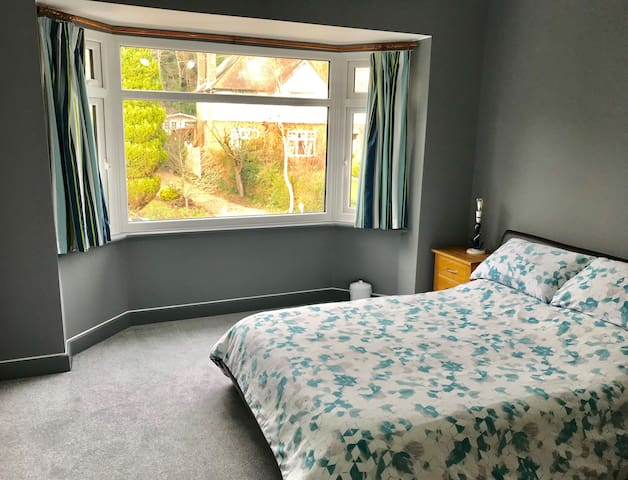 Clean, Modern Bedroom in Coy Pond, Poole
