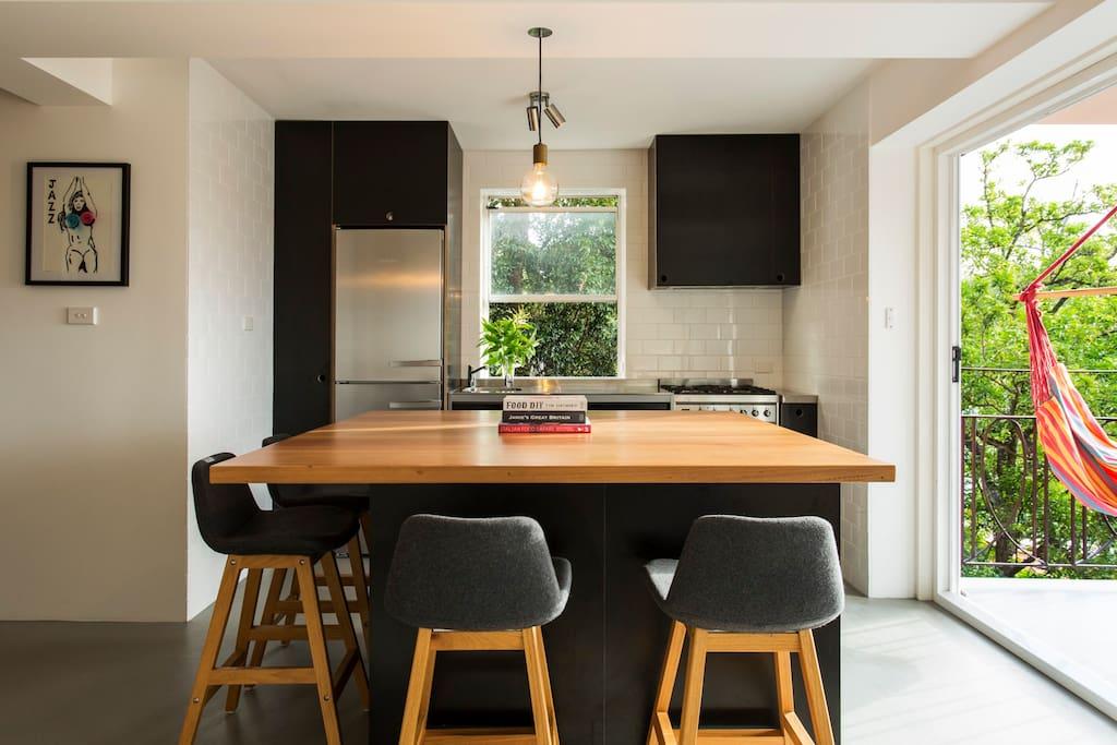 Open plan / galley style kitchen