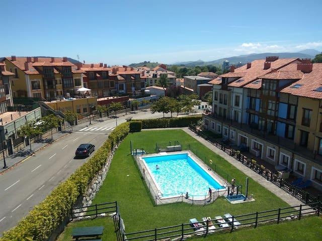 """Precioso apartamento con piscina """"El Capricho"""""""