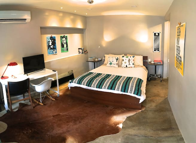 Casita Rosa / Cozy Adobe for 2+ - Marfa - Casa de hóspedes
