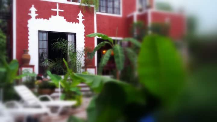 3-BED&GARDEN Cabañas Where ART has life. Tepoztlán