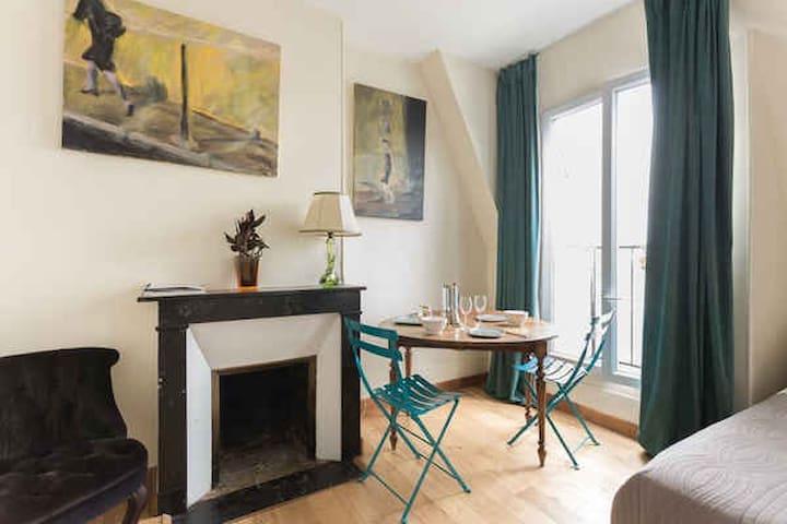 Appartement Parisien Cosy avec balcons