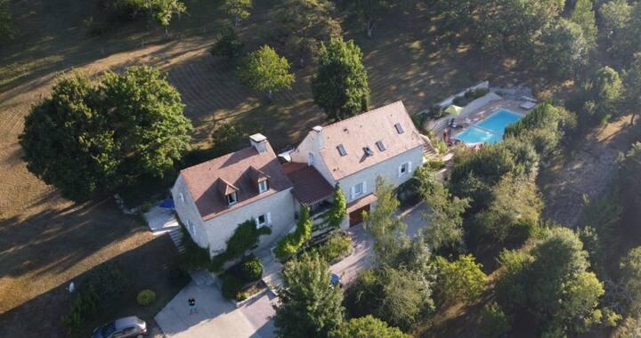 Villa le Prieure du Lot, piscine chauffée au calme