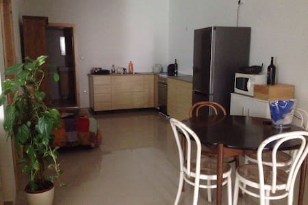 1 room with 2 single beds central - Mosta