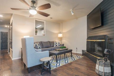 Beautiful, Comfy and Convenient Condo!