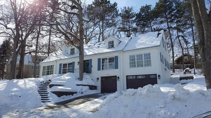 Newly remodeled home in beautiful neighborhood