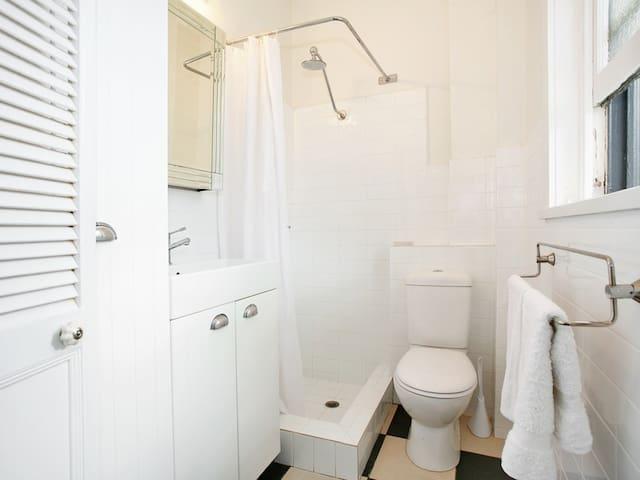 North Bondi Comfy Hideaway - North Bondi - Apartemen