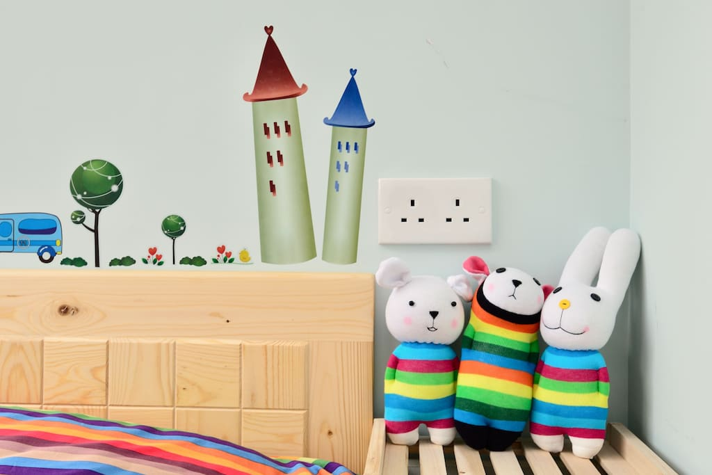 Rainbow welcome dolls