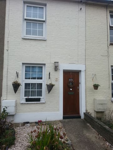 Cosy Two Bed Cottage - Southgate - Southgate - Haus