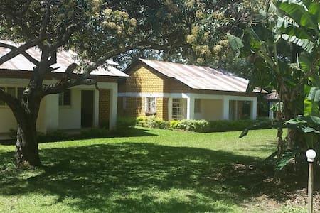Bungoma Countryside Inn - Bungoma - 家庭式旅館