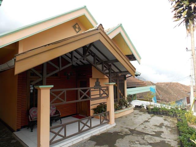Homestay Kaldera Gunung Bromo