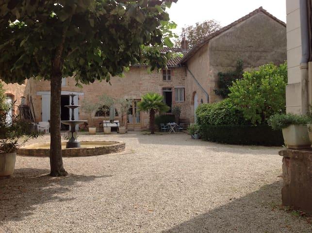 LOGE DE LA CAVALIÈRE AT CHATEAU  - Préty - Dom