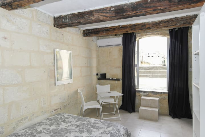 Valletta Penthouse with Terrace Apt 4