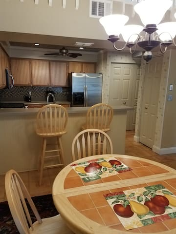 2 Bed 2 Bath Townhouse with Loft