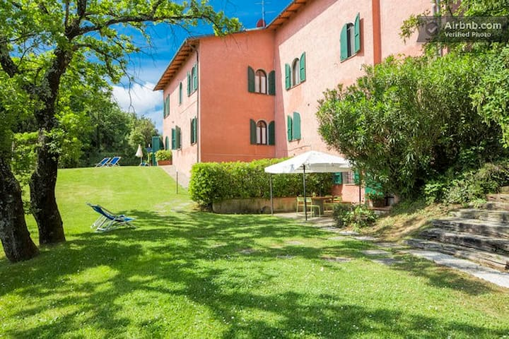 CountryHouse for 25 near SGimignano - Montaione - Villa