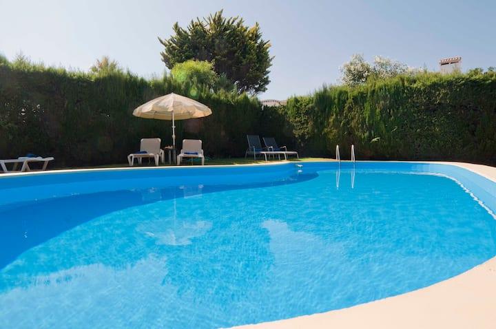 CHARMING VILLA beach/pool/wifi/top!