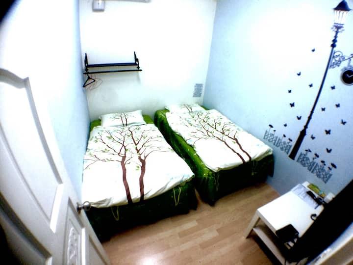 C102, 2 single beds, MRT: Dingxi MRT 4 minutes wal