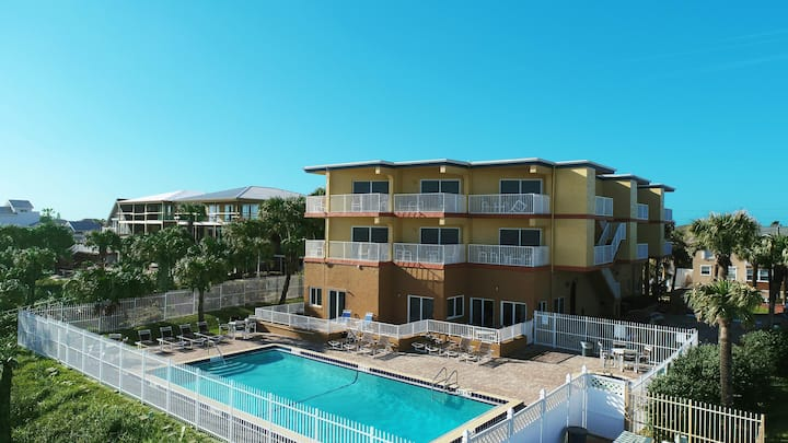 Oceanfront! 2 Br!  Pool!  Hot Tub! Amazing View 3B