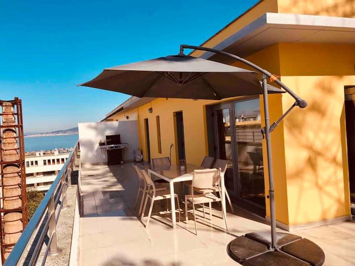 Fantástico ático nuevo a 150 m de la playa en Bueu