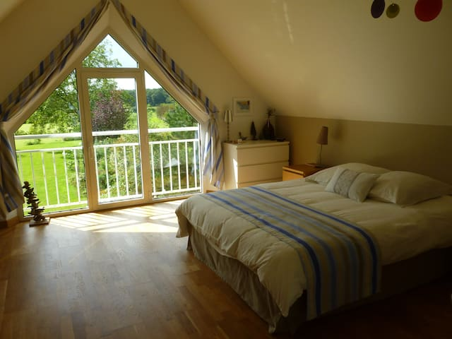 A SUPERB ROOM AT 5MN FROM SENLIS - Fleurines - House