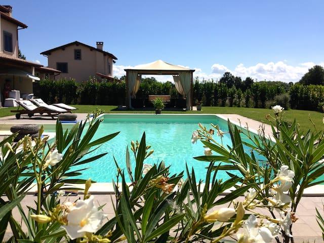 Villa sul golf a 10 km da Bolsena - Acquapendente - Villa