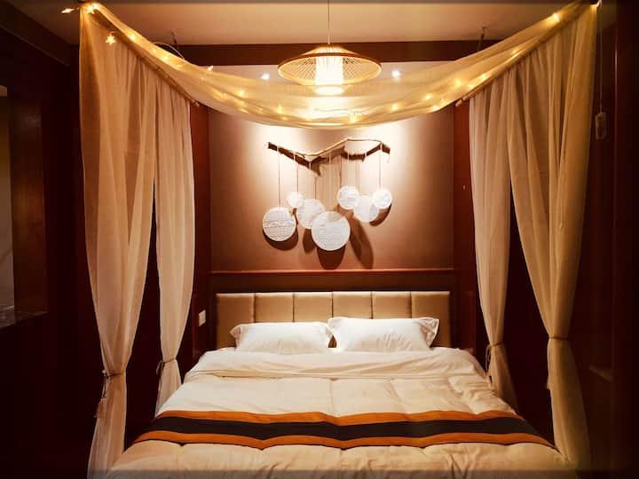 青田民宿【风陵渡】CBD商圈,小吃街大洋百货沃尔玛天河影院,密码锁,浪漫浴缸,1.8米大床房,可做饭