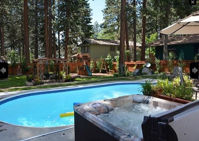 Luxury Home with Outdoor Pool & Tub - zephyr cove - Hus