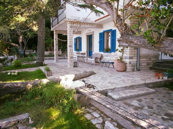 One bedroom apartment near beach Supetarska Draga - Gonar, Rab (A-17860-a)