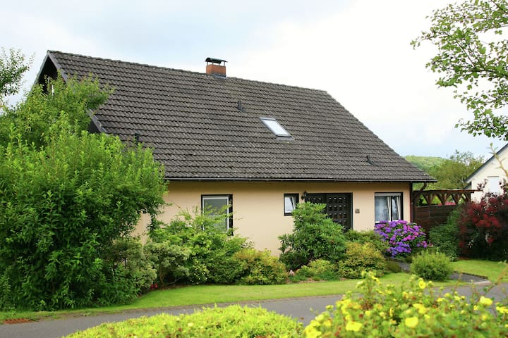 Holiday Home in Kyllburg Eifel near the Forest